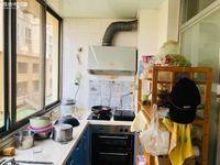 凤凰路145 警苑小区 带车位出售了 房子不热 不热