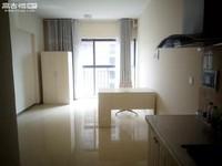 都市经典单身公寓 900块每月 可季度付 带家具家电