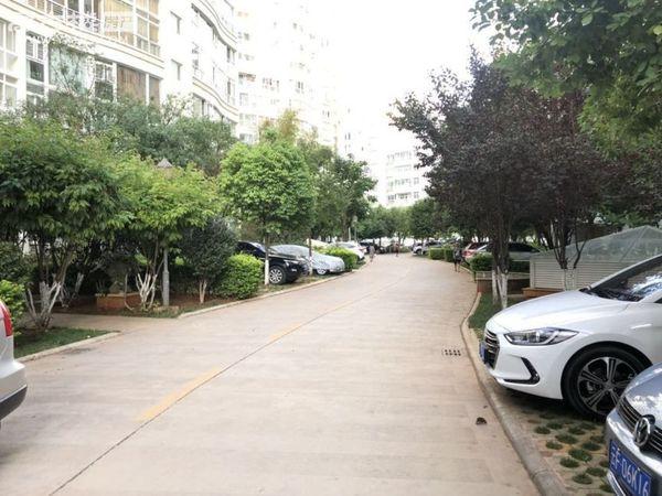 北市区性价比最高毛坯房 带车位151平仅售115万户型周正小区环境好懂得来急售!