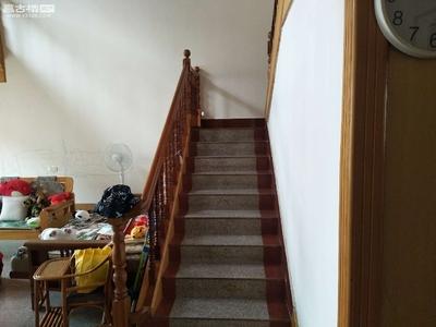 北市区性价比最高呢楼梯房203平仅售155万!中间楼层格局周正透光通风房东急售!