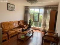 北苑E区 72平两室出租 带家具 流水停车 靠五中聂耳广场 1300出租