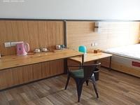 志程大厦 酒店式公寓出租 拎包入住 1200出租 可季度付款 带家具