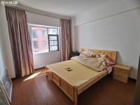 玉溪一中附近,时代新都汇,豪华装修,拎包入住,三室2500一个月,随时看房