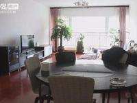 时代广场 159平精装修大四室2600每月 带家具家电 中间楼层 年租年付