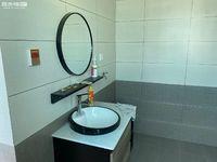 整租 玉龙公司 新装修的房子 带部分家具便宜出租 诚心客