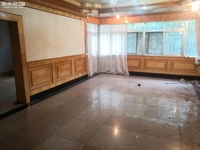 烟厂E区3楼93平3房装修清干净低价急租!