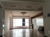 玉溪二小区 便宜的一套租房 精装修四室