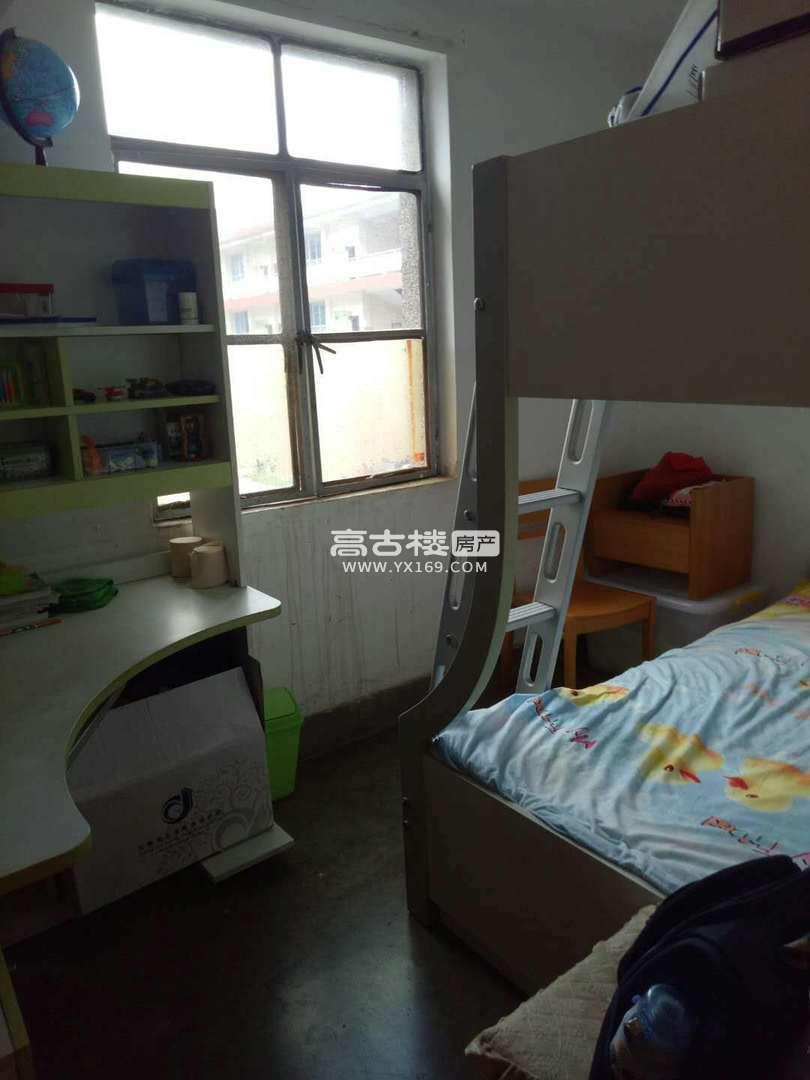 市医院旁 二小生活区3楼小3室 停车方便