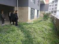出水口旁 临岸三千城一期1跃2毛坯复式楼 带中空带花园