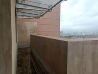 临岸三千城顶楼中空复式正对东风游乐场带100平大露台