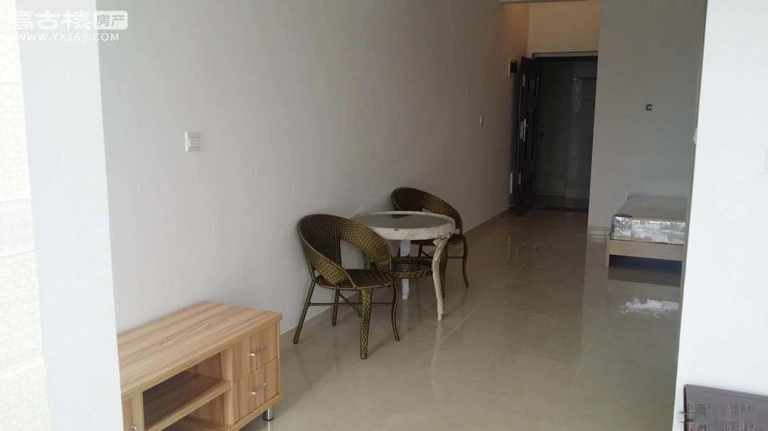 一小,四中旁极中心8楼公寓1000元/月精装可直接拎包入住