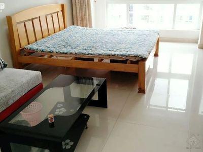 时代广场中间楼层精装修公寓,带家具家电出租,看房方便