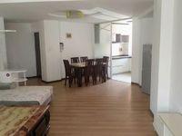 龙马路 华曦苑2楼 130平 3居室 2200元