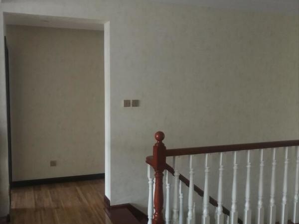临岸三千城一期千沁园7室3厅4卫两大阳台 精装 260平米带车位