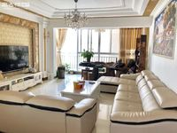 盛世庭院158平米 精装 5室2厅2卫 10楼 带车位