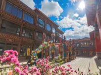 云南香格里拉独克宗古城中心繁华地段商铺 性价比高人流量多