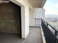 沃尔玛旁建银广场中间楼层毛坯,4室2厅2卫,周边发展成熟,我有钥匙,随时看房