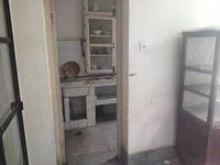 桂山路,易门矿业局1楼,70平米2室2厅1卫。