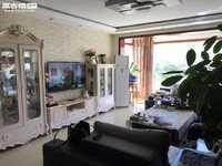 兰苑洋房 便宜了。172平米大平层 带家具 拎包入住 满两年