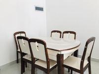 市中心新精装修2室 带家具 划算才1400月随时看房