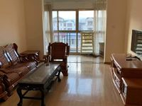 枫林溪谷小洋房三室精装修三室1400一月带家具户型周正