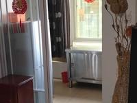 龙马华庭 50平两室一厅一卫精装修租价每月1100 小区景观优美