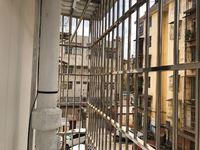 群艺巷5号新装修两室带全套家具家电1100一个月无物管费