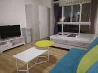 市中心时代广场 精装修单身公寓 带全套家具家电 拎包入住