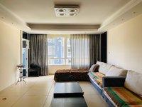 盛世庭院 精装三室 2500一个月含物业费带车位 拎包入住