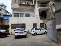 市医院二小旁5700单价 南北大街工行生活区74平 装修清爽