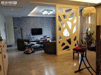 龙庭苑 豪华装修 带的全套家具家电 可带车库出售