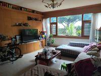 7500单价买公务员小区1楼带花园的房子 3室 125平米!