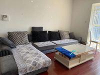 盛世庭园 精装三室 带家具可直接入住带车位 可半年付随时看房