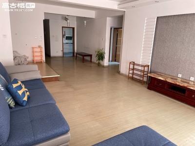 拧包入住出租珊瑚苑3室2厅2卫132平米1700元/月住宅