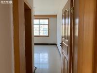 出租东风北路山水小学旁三室两卫住房 可做办公室 培训班 也可自住 不是新世纪花园