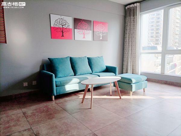 可短租-带车位-沃尔玛时代广场大三居室南向阳光房优价出租