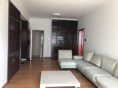 玉溪二小区 83平 带家具1500一个月