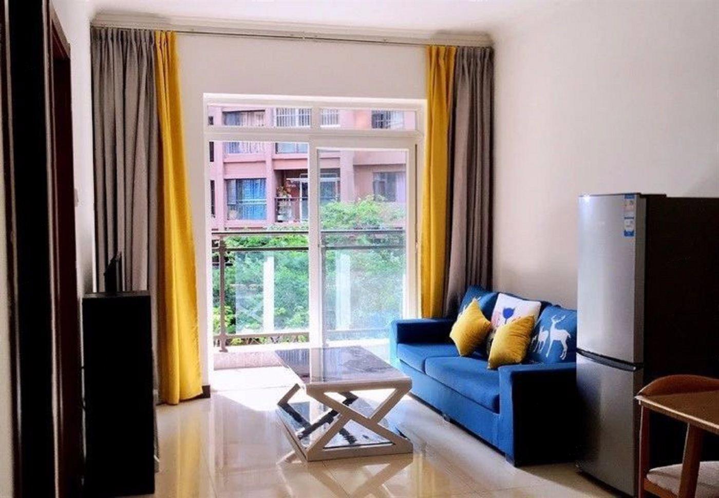 红星国际旁边点 精装修带家具家电 1000一个月